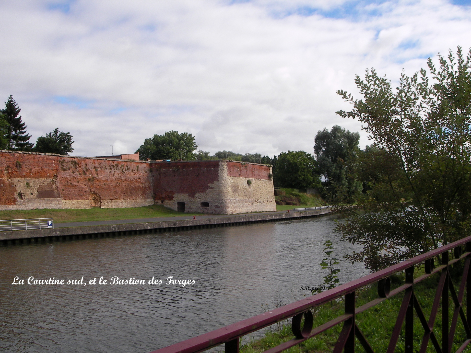 La Courtine Sud et le Bastion des Forges